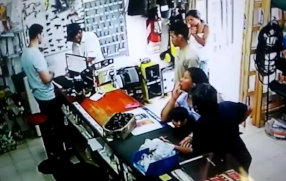 Luego que la damnificada difundió en ReconquistaHOY el video del robo, se lo devolvieron. Aquí el video y detalles.
