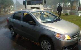 Choque de auto y camión sobre el Bulevar Yrigoyen.