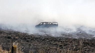 10092020 auto incendiado en ruta nacional 11.jpeg