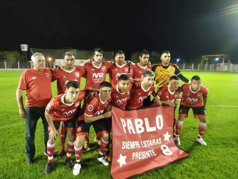 Romang FC 2021 fútbol homenaje a Pablo.jpg