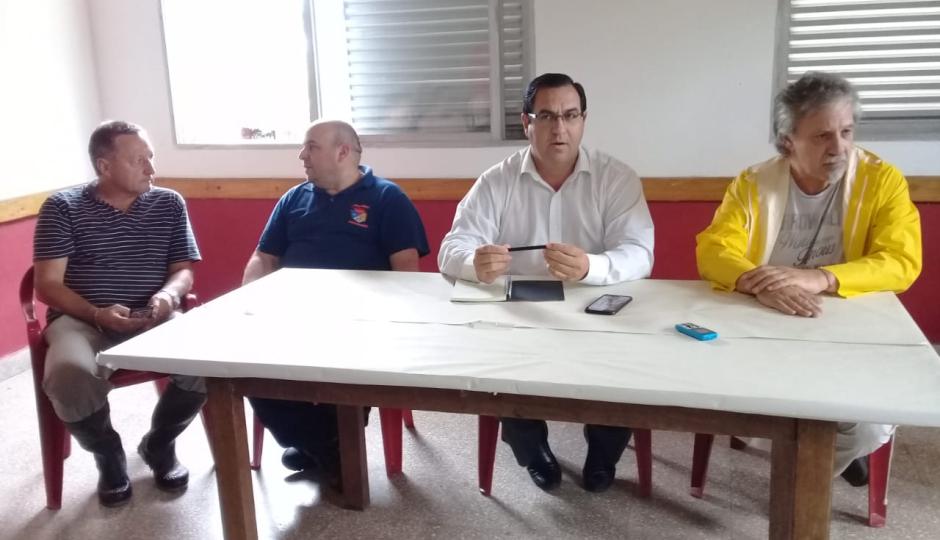 Quince personas evacuadas en el refugio y en el salón vecinal del Barrio La Cortada. Lo confirmó Vallejos en la reunión de Defensa Civil.