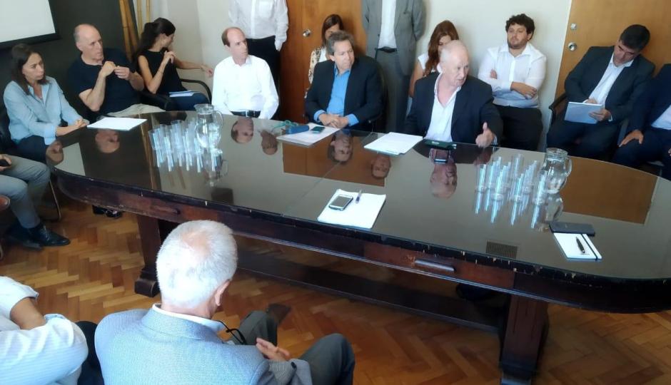 Planes de autos: defensores del Pueblo se reunieron en Buenos Aires con las automotrices.