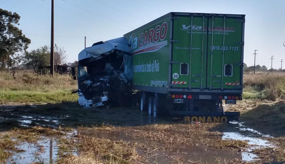Fatal choque de camiones en Ruta Nacional 11.