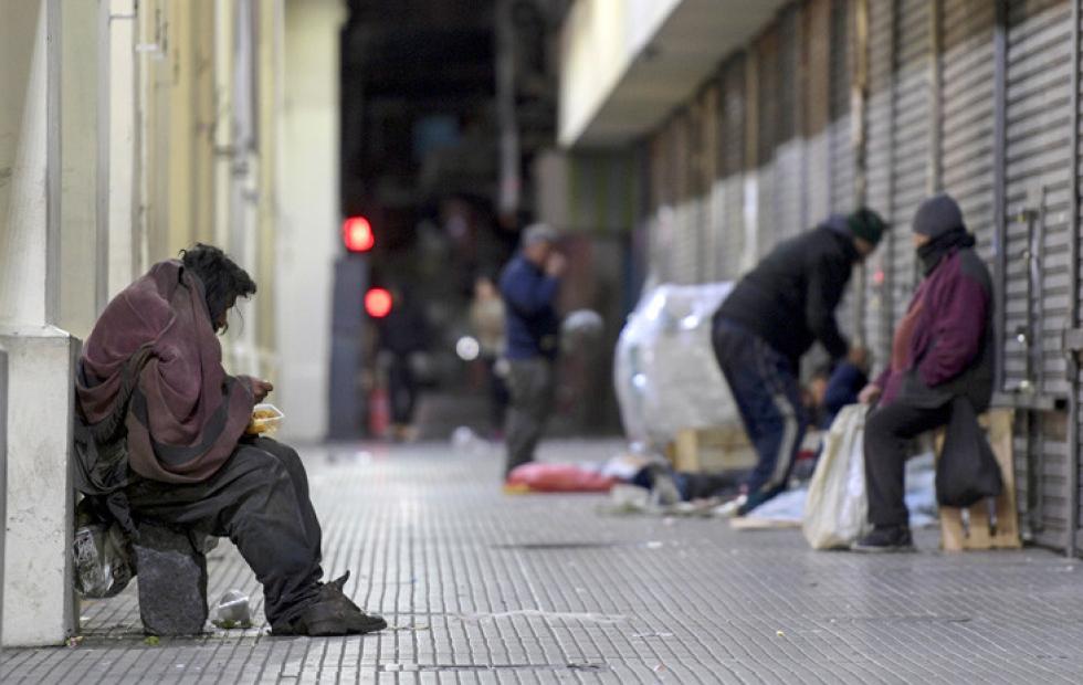 La pobreza subió al 35,4% y ya alcanza a 15,9 millones de argentinos, según el Indec