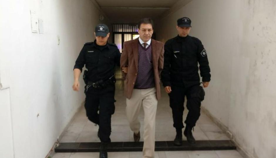 Luego de poco más de dos meses en prisión domiciliaria le concedieron la libertar con restricciones al abogado Gabriel Hernández.