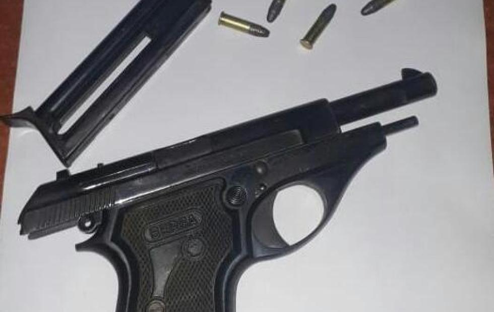 Ingresaron a su domicilio y a mano armada le robaron a una pareja de Barrio América.