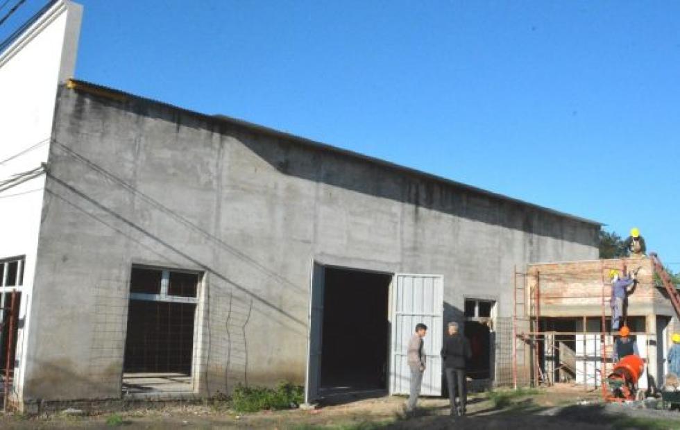 Vecinal de Bº Lourdes: Salón de usos múltiples y sanitarios. La obra iniciada por los vecinos fue retomada por la Municipalidad