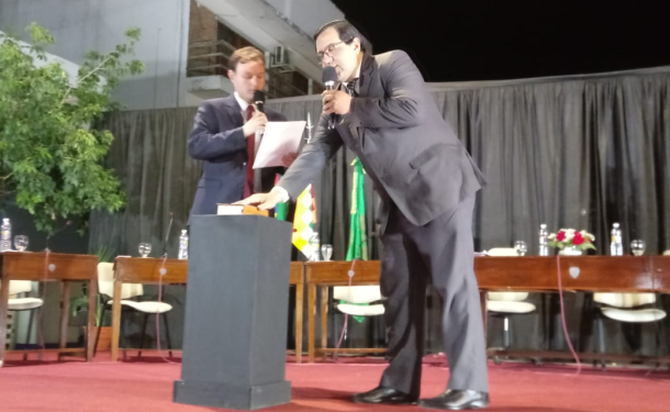 Enri Vallejos asumió su segundo mandato y juraron nuevos secretarios.