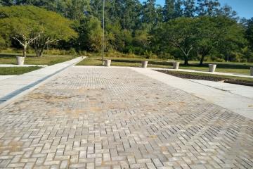 Construcción en el Parque Lineal América.