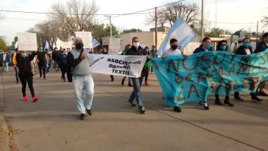 Movilización de trabajadores de Algodonera Avellaneda.