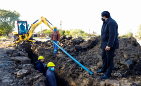 El intendente recorrió las obras del nuevo acceso al Hospital, la apertura de otra calle y la red de agua potable.