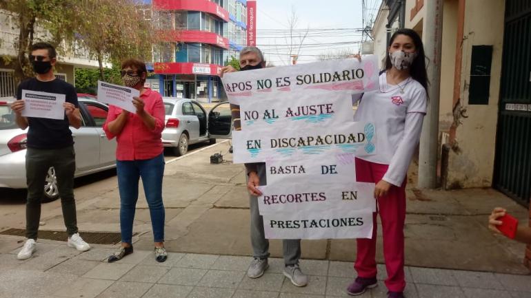 Movilización frente a la Delegación de IAPOS Reconquista