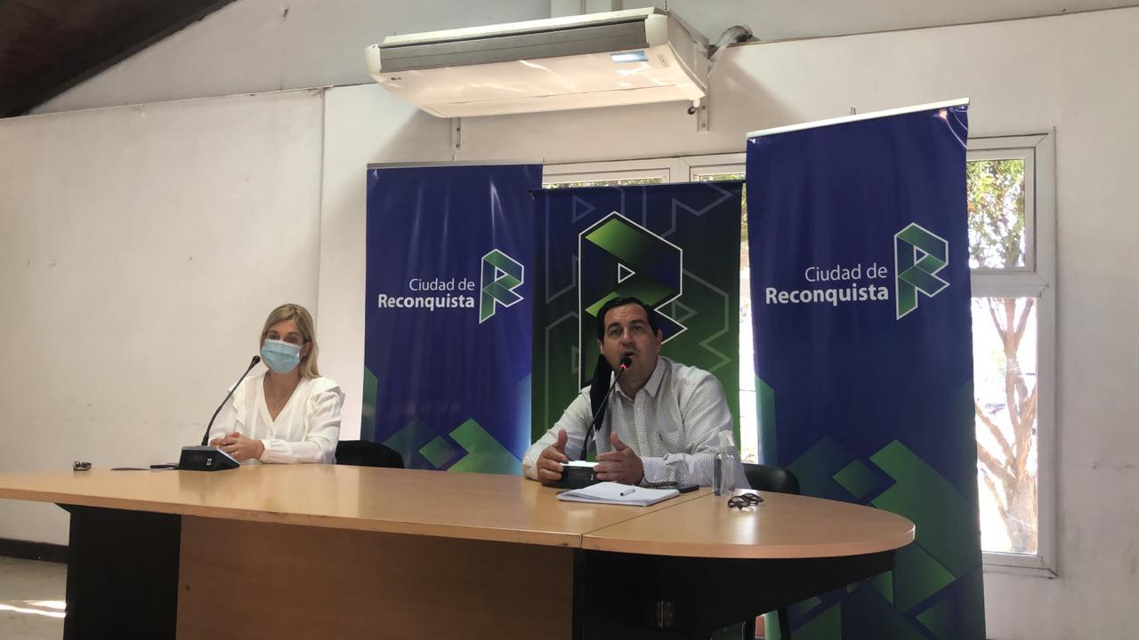 Dra. Leira Mansur y Amadeo Vallejos.