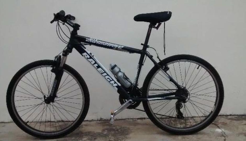 Le robaron la bicicleta en el Club Unión de Avellaneda, aquí el video, ayudemos a recuperarla
