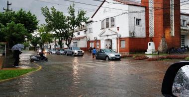Escuela Normal lluvia.jpg