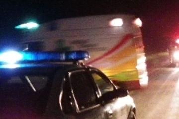 ambulancia_y_patrullero_nochejpg