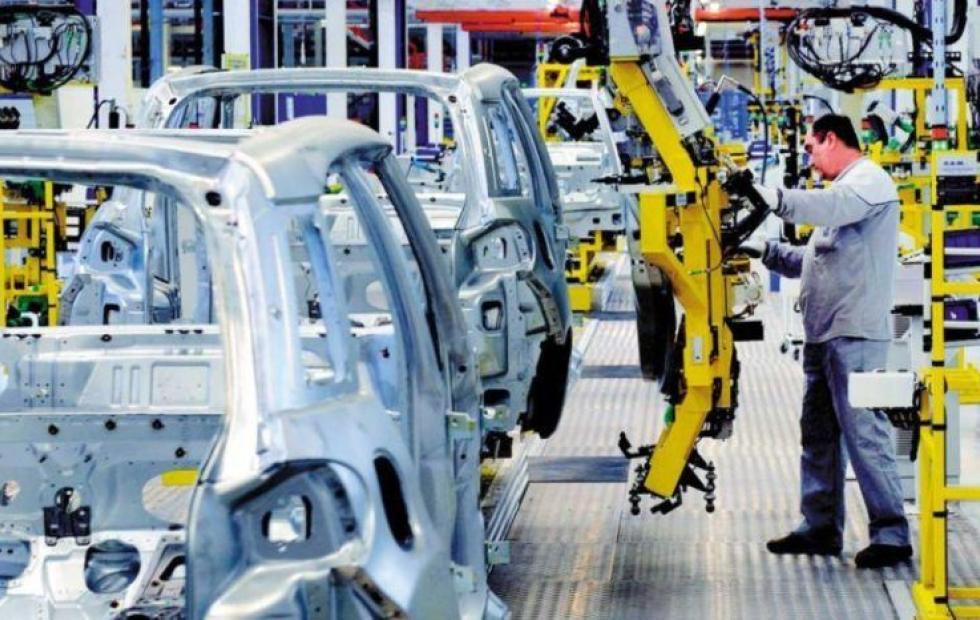 La actividad económica cayó 4% en octubre y marca siete meses consecutivos de baja.