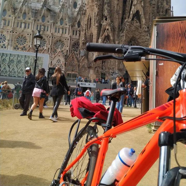 Ivana Lovatto ya tiene bicicleta.jpg