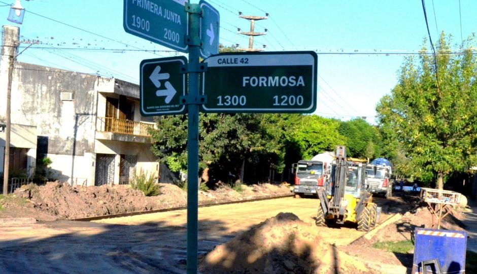 Reconquista tiene otra cuadra pavimentada. Este jueveshormigonearon calle Freyre entre calles 42 y 44.