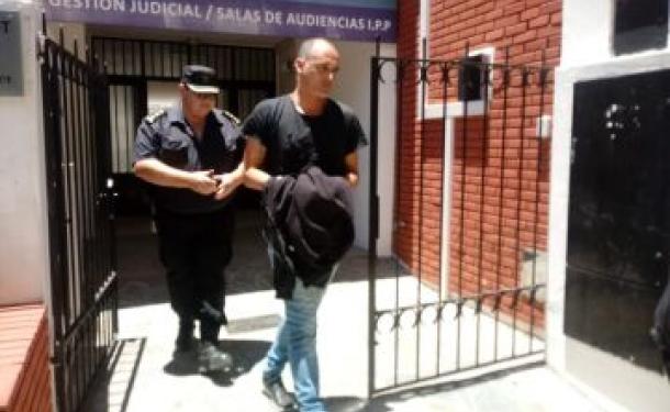 El comisario supervisor de la Policía Santafesina Barrientos continuará el proceso judicial en libertad con restricciones y en disponibilidad.