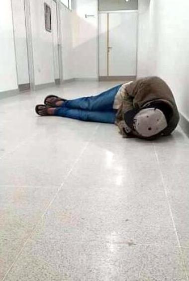 18032020 paciente desmayado en el hospital.jpg