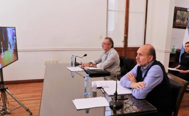 Bares, restaurantes, gimnasios, deportes, reuniones familiares... Perotti pidió al jefe de gabinete nacional para habilitar esas actividades.