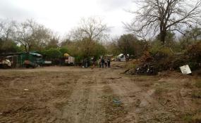 Reubican a las familias del asentamiento del terraplén.
