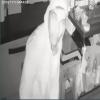 """11 robos, 2 en dos días: Otra vez entraron a robar en """"Punto y Coma"""" y nuevamente quedó filmado el autor. A ver si ayudás a reconocerlo. Parece un famoso delincuente."""