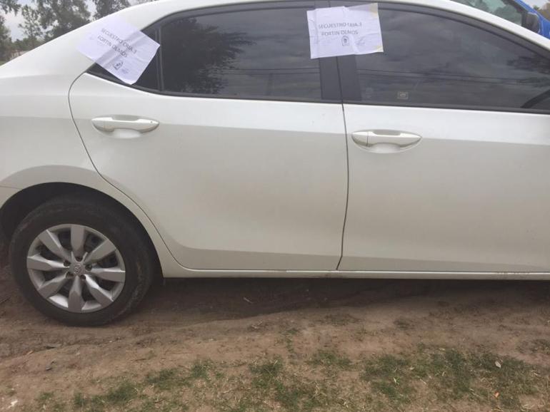 Rosalía Jara auto secuestrado al docente.jpg