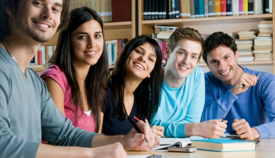 ¿Terminaste el secundario y querés seguir estudiando? Postulate para las becas estudiantiles universitarias en Avellaneda.