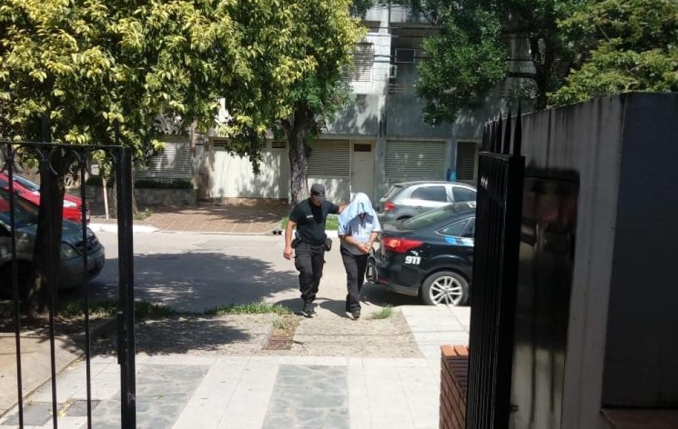 Que resolvió el Juez Martelossi para el policía detenido por amenazas y a quien se le secuestró desde su casa 15 armas de fuego sin el permiso obligatorio y más de 2 mil cartuchos. Palabras del fiscal