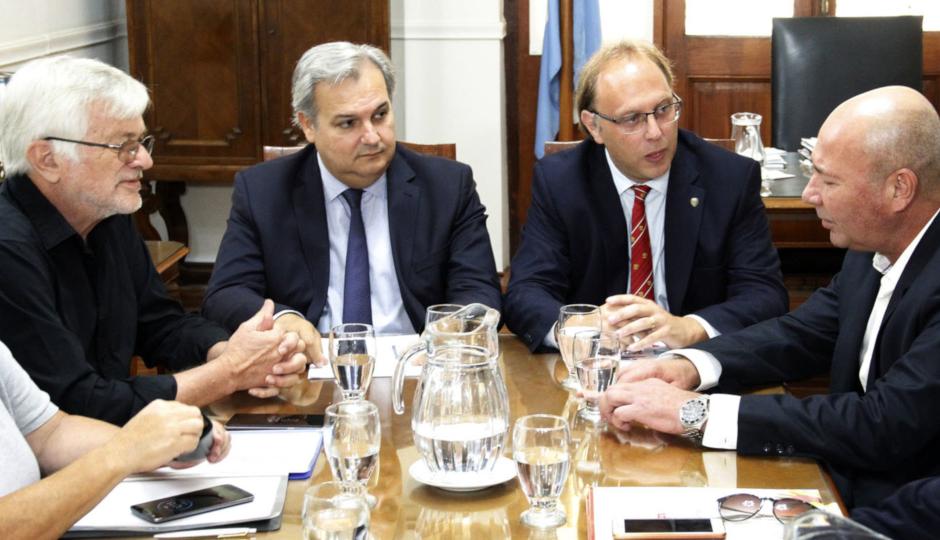 """Con UPCN y ATE, se realizó la primera reunión paritaria. Indicaron que la intención del gobierno provincial es """"alcanzar acuerdos para preservar el poder adquisitivo de los salarios"""""""