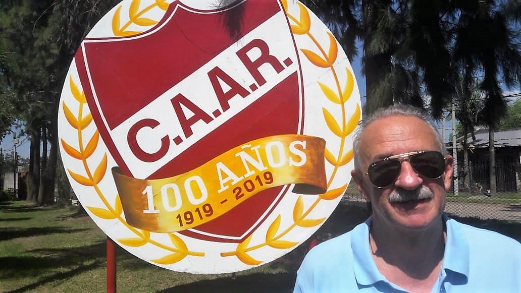 Carli Buyatti club adelante.jfif