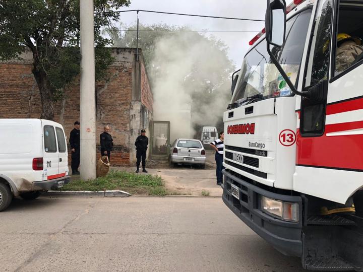 12052019 incendio panificadora Salami Pueyrredón y Chacabuco c.jpg