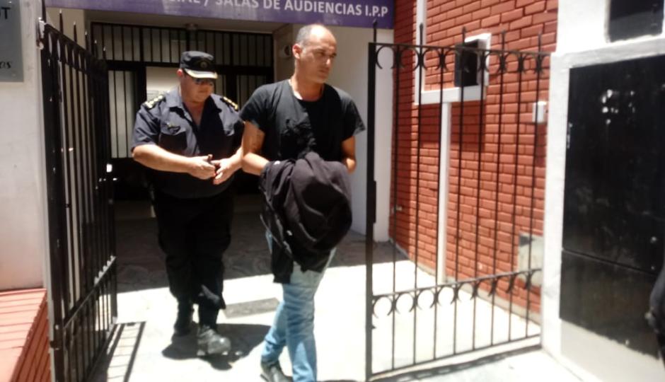 Está en prisión domiciliaria el policía imputado por explotar juegos ilegales, defraudar al Estado, asociación ilícita, cohecho y concusión.