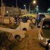 Insólito: Vecinos de Avellaneda custodian junto a una patrulla policial un barrio de 30 casas por terminar, por temor a que las usurpen.