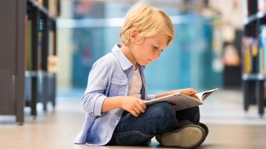 nino-leyendo-un-libro.jpg
