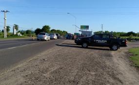 Trabajadores desocupados del ingenio azucarero de Las Toscas protestan en la Ruta 11. Qué dijo en ReconquistaHOY uno de los trabajadores.