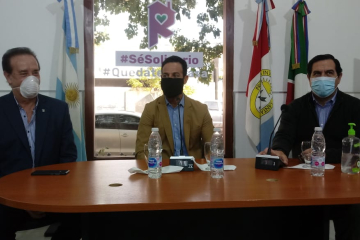 El Senador Orfilio Marcón, el Ministro de Trabajo Roberto Sukerman y el Intendente Amadeo Enrique Vallejos.
