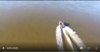 lancha drone río paraná navegando.jpg