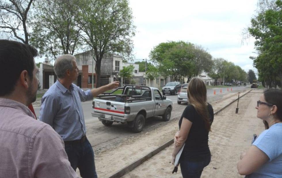 Recorrieron la obra de la Ciclovía que se ejecuta en Calle 1, paralela al Paseo Aeróbico de Avellaneda.