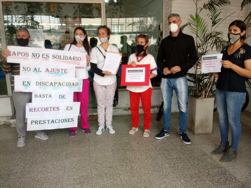 Manifestación frente a IAPOS