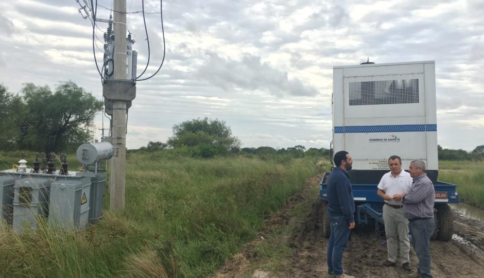 La provincia construirá una nueva línea eléctrica para Fortín Olmos, Garabato y Pozo de los Indios