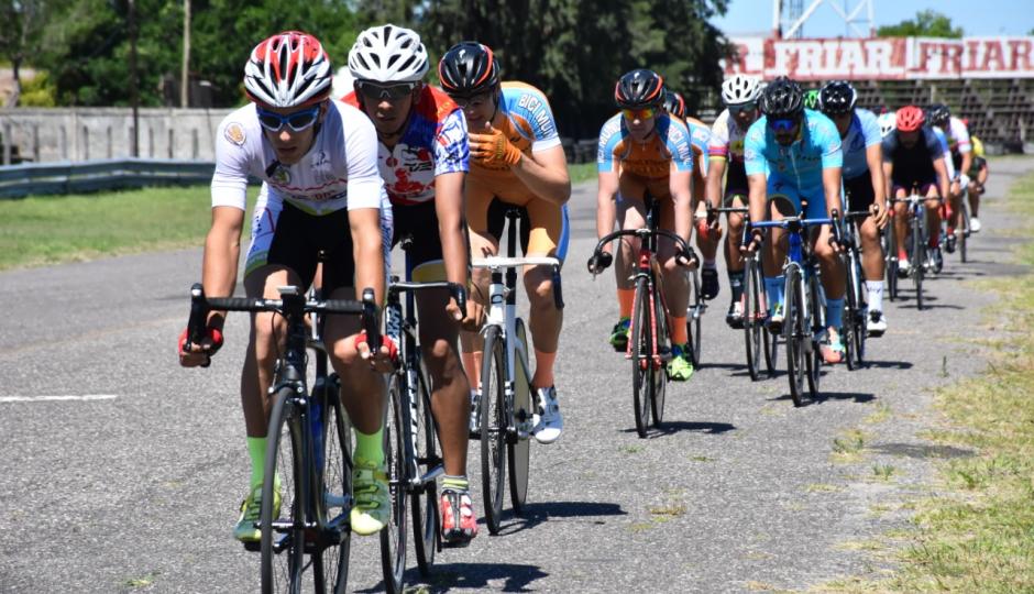 Competencia de ciclismo este domingo en Avellaneda.