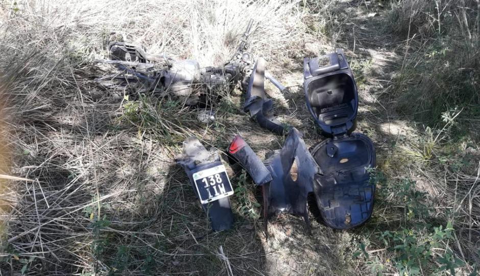 Hallaron una motocicleta desarmada y aún no determinaron el propietario.