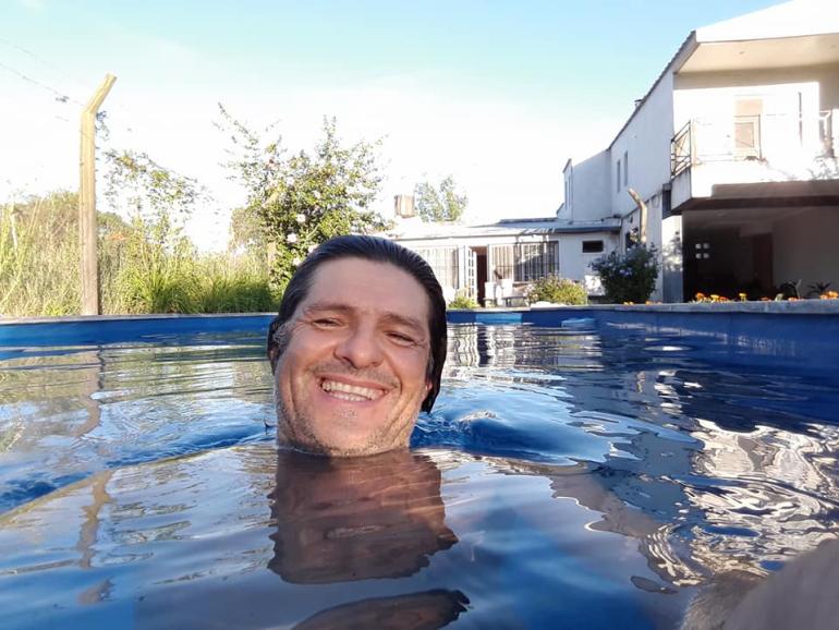 Víctor Gahn en el agua.jpg