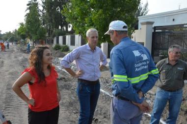 El Intendente Dionisio Scarpin junto a la Secretaria Gisela Acosta.