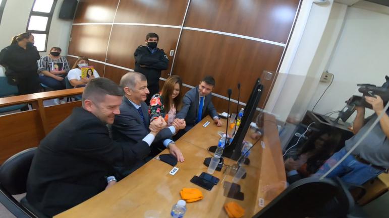 03082020 juan valdez condenado festejan los acusadores fiscal latorre german sager carolina walker y Matías Pautasso.jpg