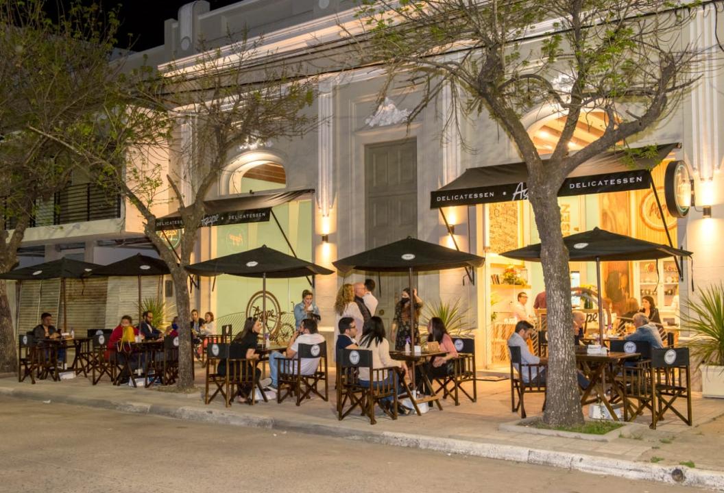 Inauguración de Ágape Café en Belgrano 845.