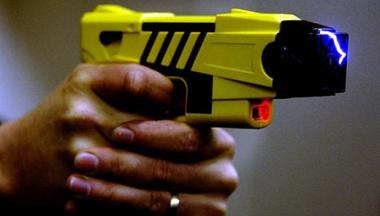 pistola taser.jpg